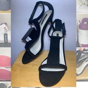 F21 Black Strap Heel 6.5